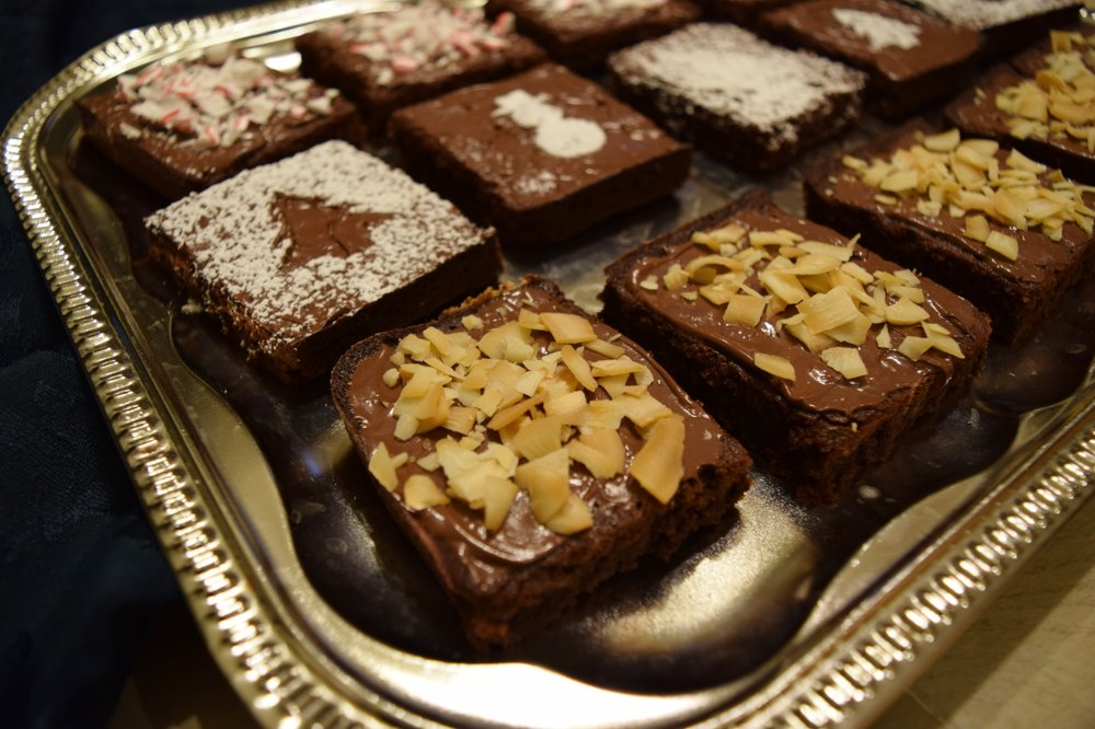Can you believe it? These brownies are flourless with reduced sugar and butter. Enjoy the deliciousness without all the worries! Bon Apétit!