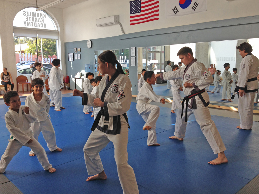 Kids practicing: il soo sik - il ban