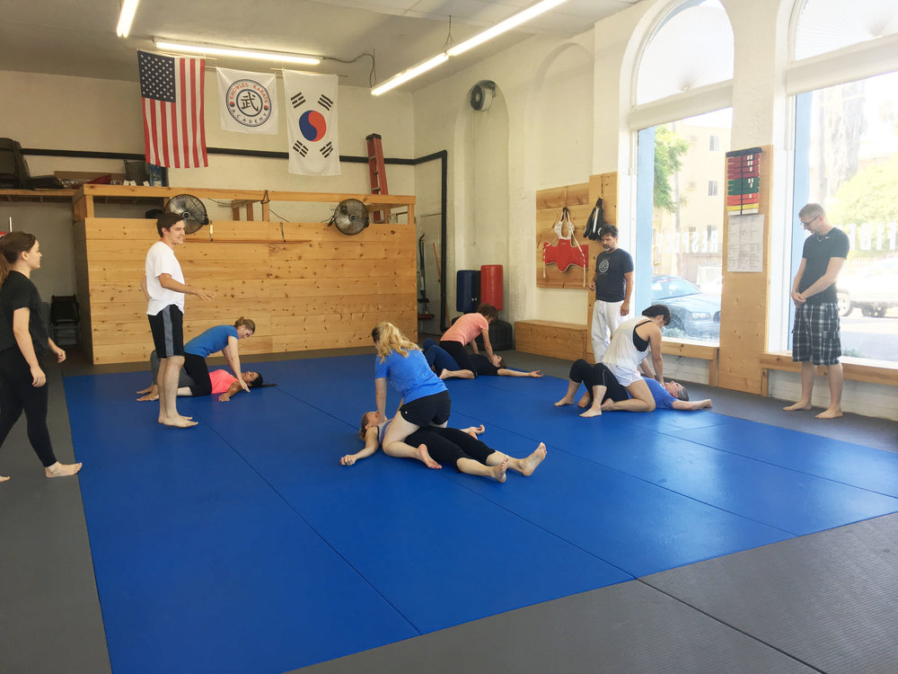 Women's Self-Defense - Trap & Roll!