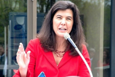 Article on Cook County state's attorney Anita Alvarez's decision to stop prosecuting those arrested for possession of small amounts of marijuana. (Huffington Post)