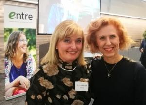 Entren puheenjohtaja Salla Luomanmäki ja johdon konsultti Susanna Rahkamo antoivat Entren jäsenillassa vinkkejä, mitä yrittäjän kannattaa ottaa uransa alkutaipaleella huomioon.