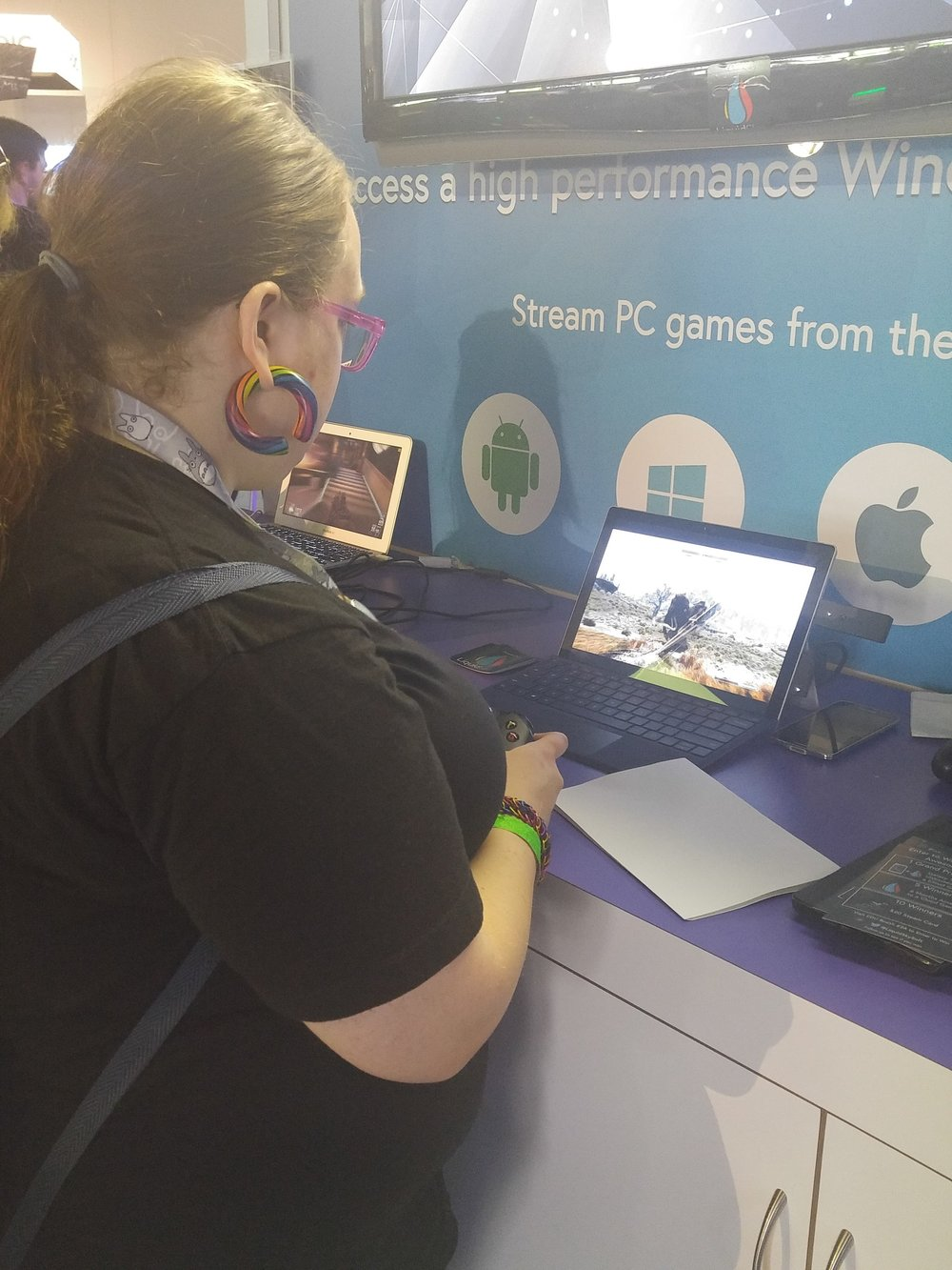 Tons of Demos throughout the Con. Here is Fwatair getting sucked into Skyrim.