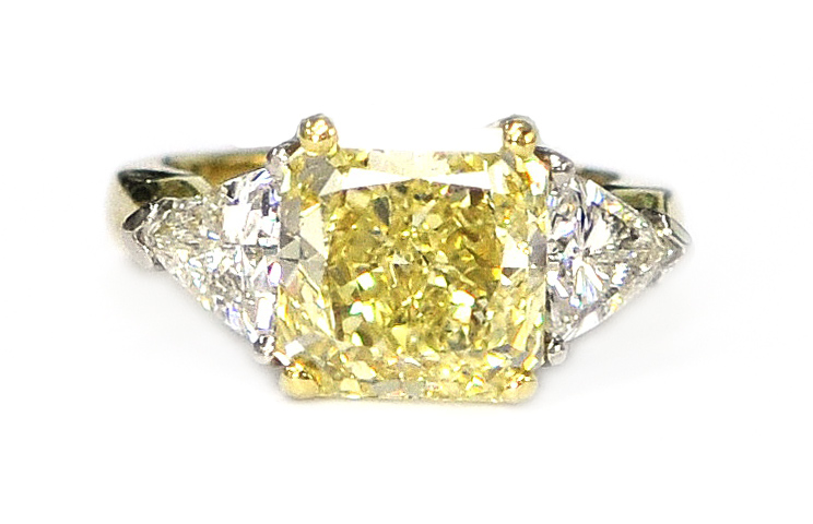 Yellow Diamond & Diamond Ring