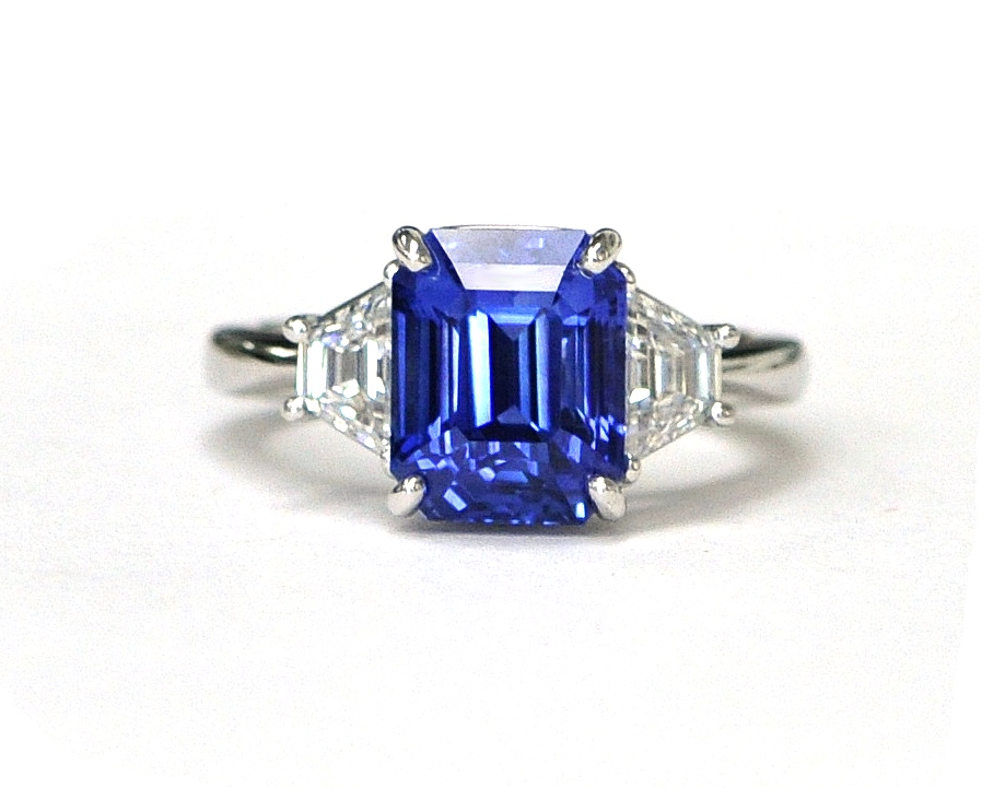 5ct Sapphire & Diamond Ring