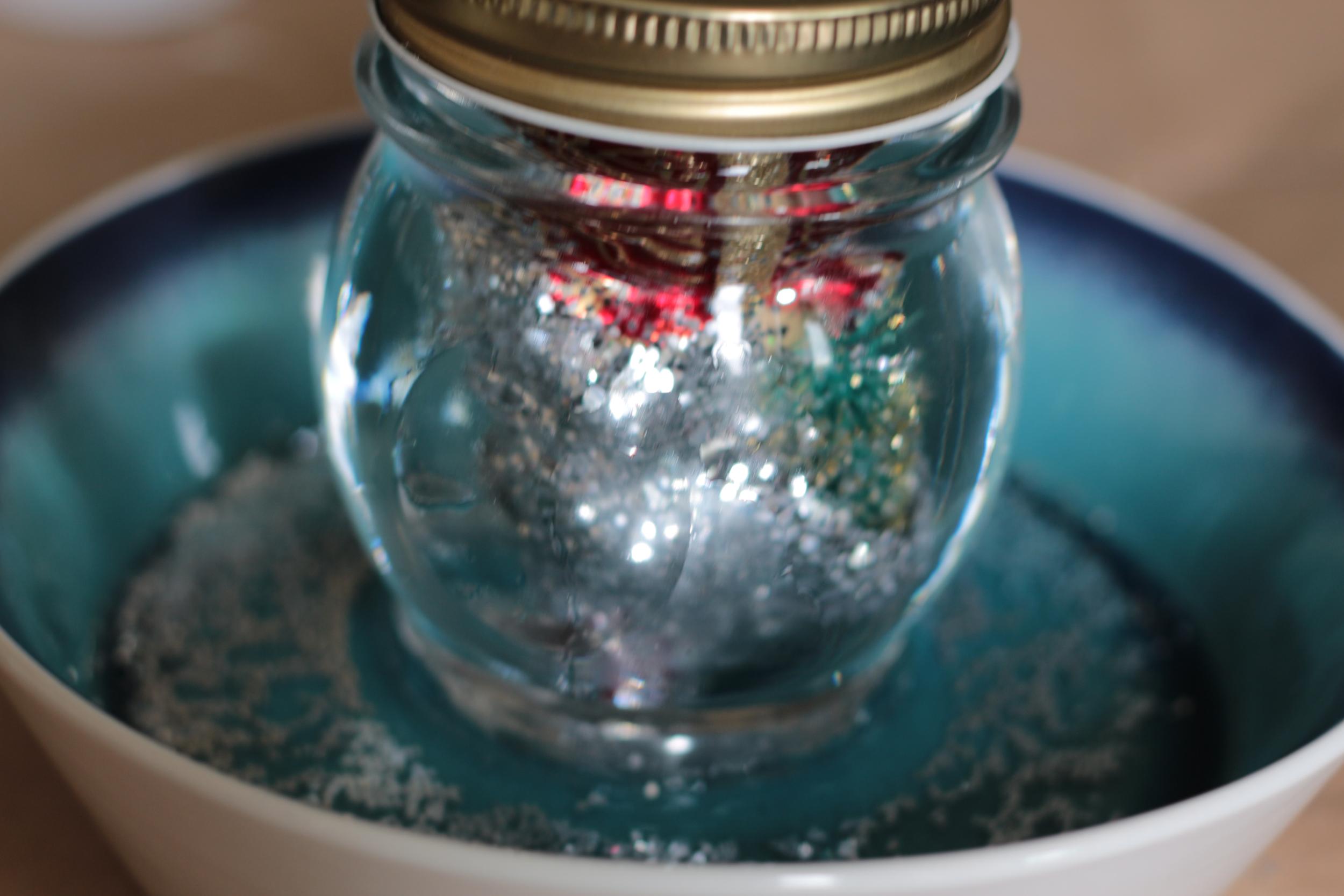 snowglobe 6: glitter pool