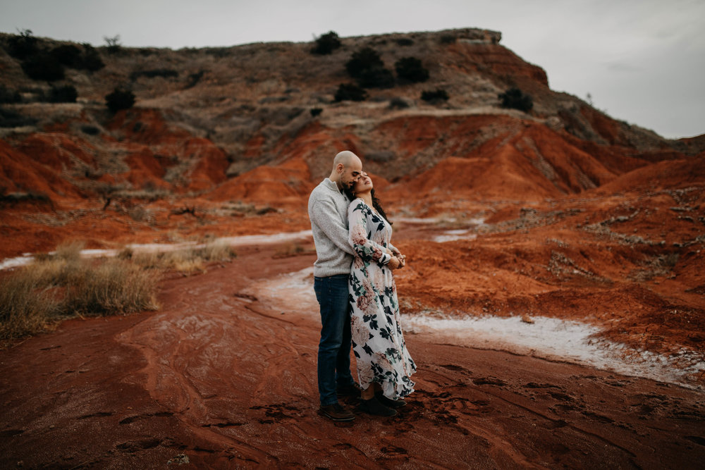 Red Rocks Oklahoma Engagement Photos