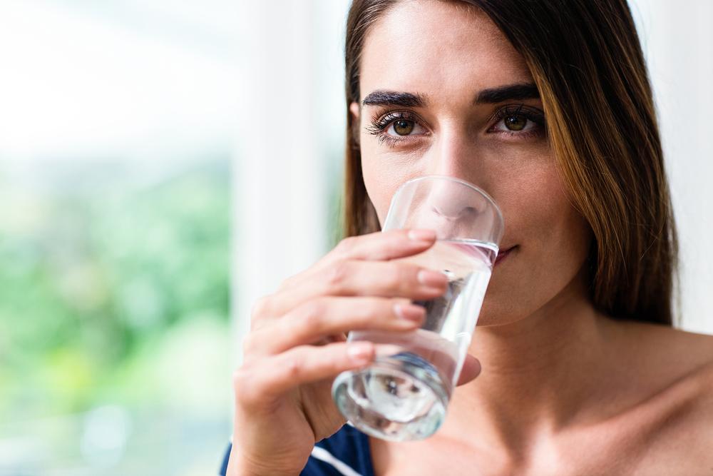 Beber água é uma das melhores maneiras de evitar crises da síndrome vasovagal