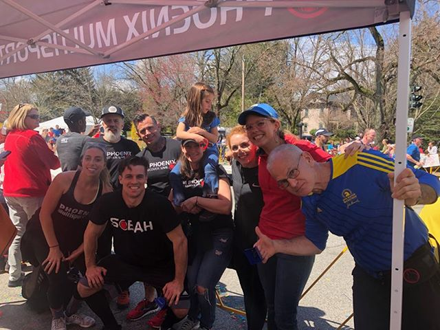 Best cheer squad around @bostonmarathon! . . . #community #family #boston #fitness #crossfit