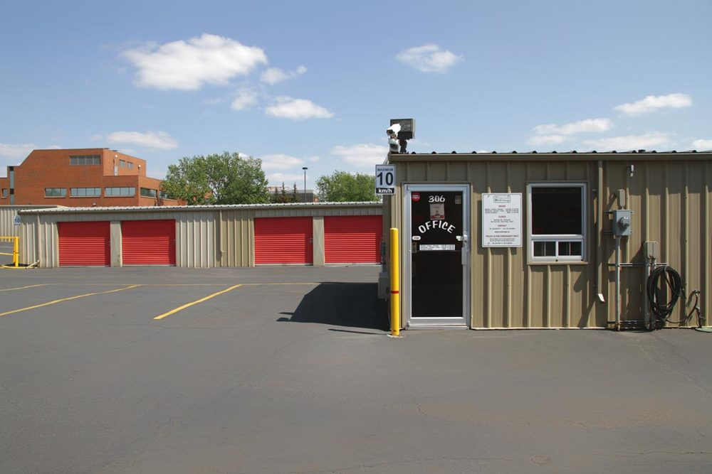 & Centre Avenue - Self Storage Rental Units Calgary Alberta