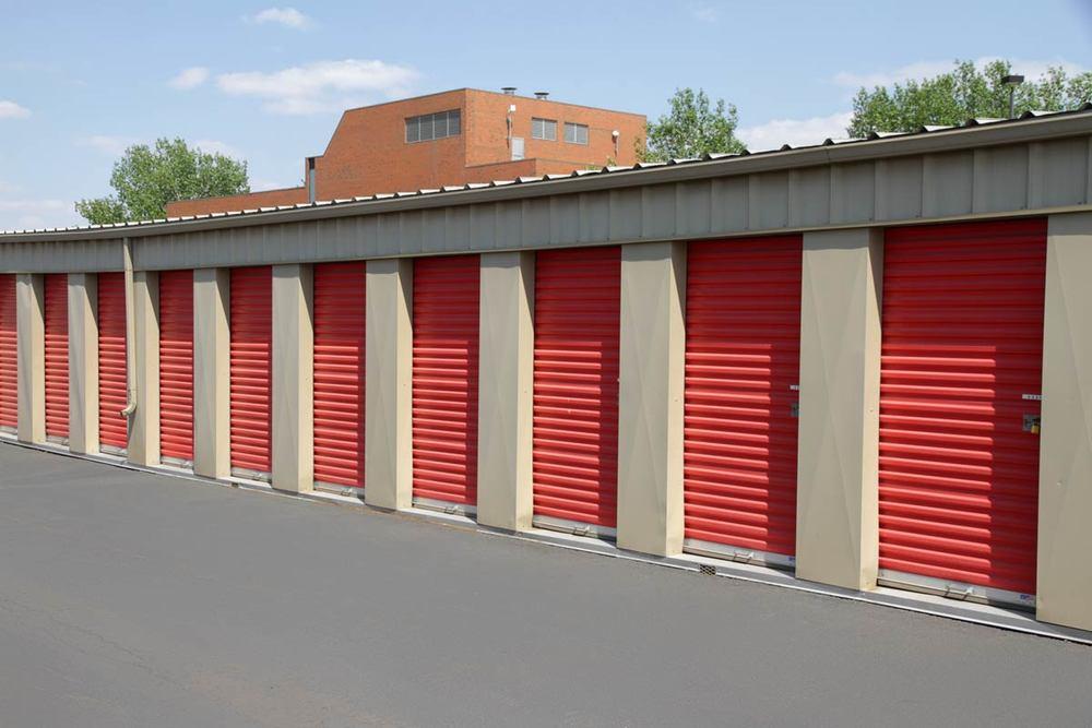 Storage Units & Centre Avenue - Self Storage Rental Units Calgary Alberta