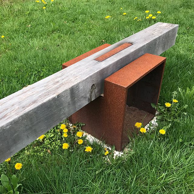 Born in our studio but completed by the elements, Gail Fredell's Outdoor Hitching Post Bench can be found at @dedeeshattuckgallery in Westport, MA. ••• Yellow Alaskan Cedar & Steel