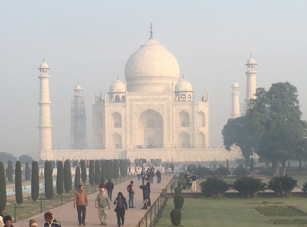 Taj Mahal in<br> Morning Mist