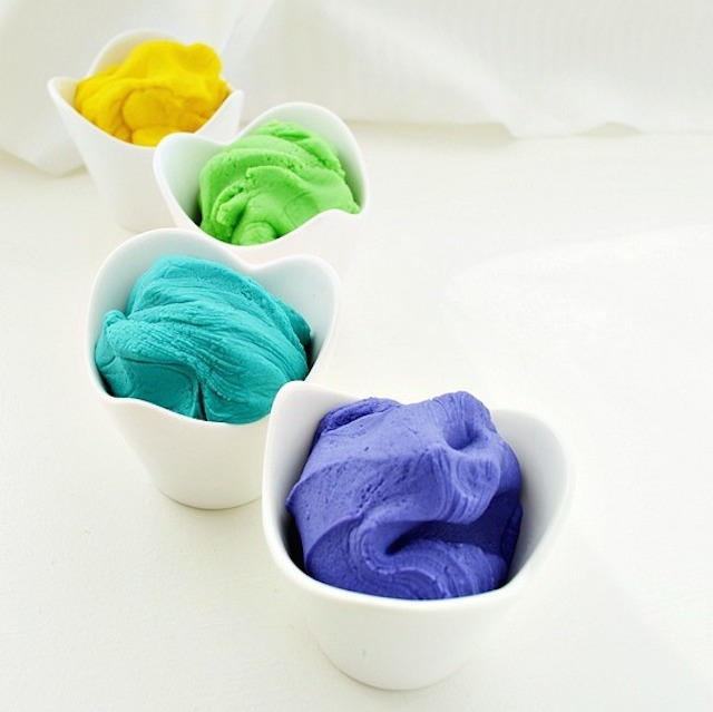 DIY-Play-Dough-vertical1.jpg