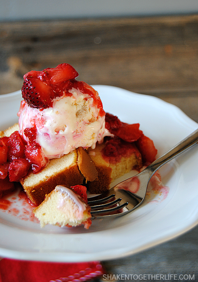 strawberry-shortcake-sundaes-hero2A