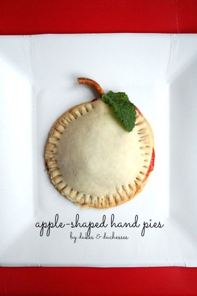 apple-shaped-hand-pies1