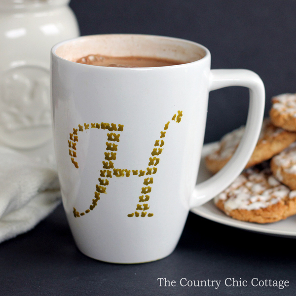 make-this-cross-stitch-monogram-mug-in-just-minutes-003