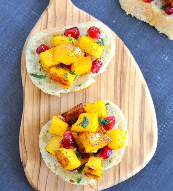 pomegranate-pumpkin-crostini-11