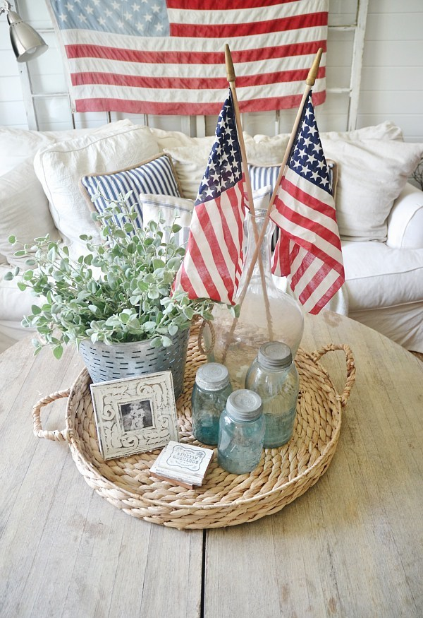 Fourth of July Living Room Decor