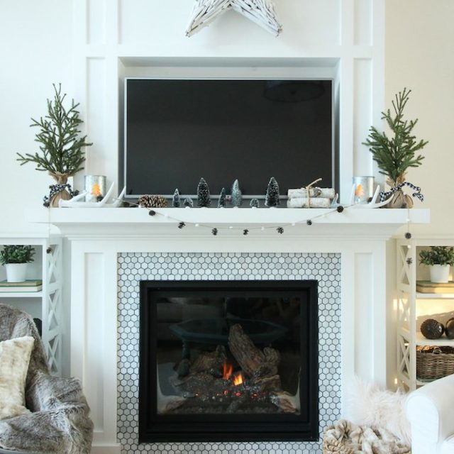 The Winter Mantel from The Happy Housie