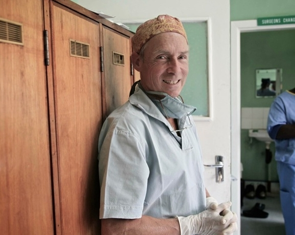 1 of only 4 pediatric surgeons working in Malawi - For the past 20 years, Dr. Borgstein has worked with the staff at the Queen Elizabeth Central Hospital to perform hundreds of life-saving operations.Dr. Borgstein also trains medical students at the Malawi College of Medicine. With support from Raising Malawi, he is currently training two Malawian doctors to follow in his footsteps as a pediatric surgeon.