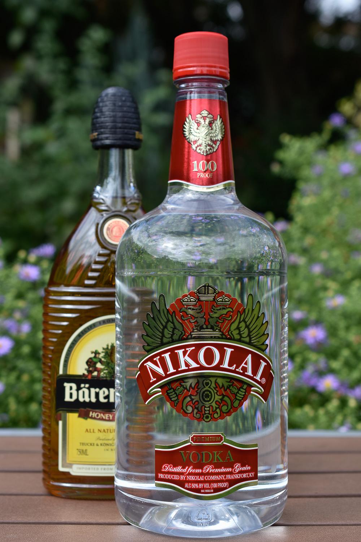 Nikolai Premium  Vodka &  Bärenjäger  Honey Liquer