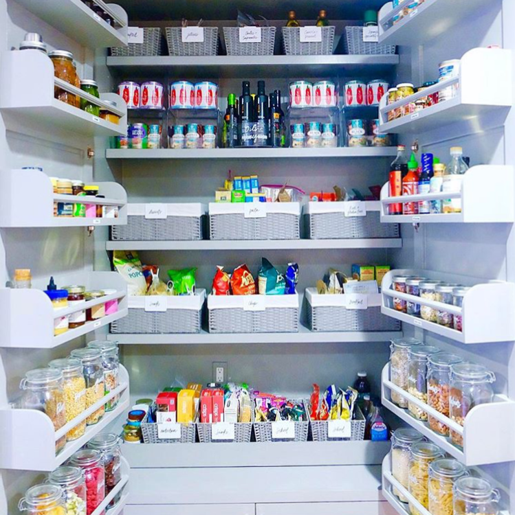 Gwyneth's pantry!! What the... @thehomeedit did it!!
