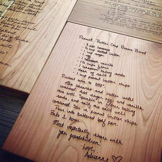 Send us your favorite family recipe and let us make it into the perfect gift! #recipe #engravedcuttingboard #engravedrecipe #familyrecipe #christmasgiftsideas #heartfeltcreations