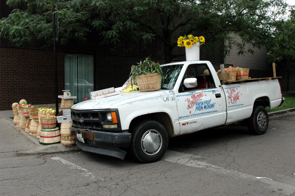 Lo que puedes pagar, Milwaukee and Belmont, Enamel on existing produce vendor vehicle, Chicago, IL. 2006