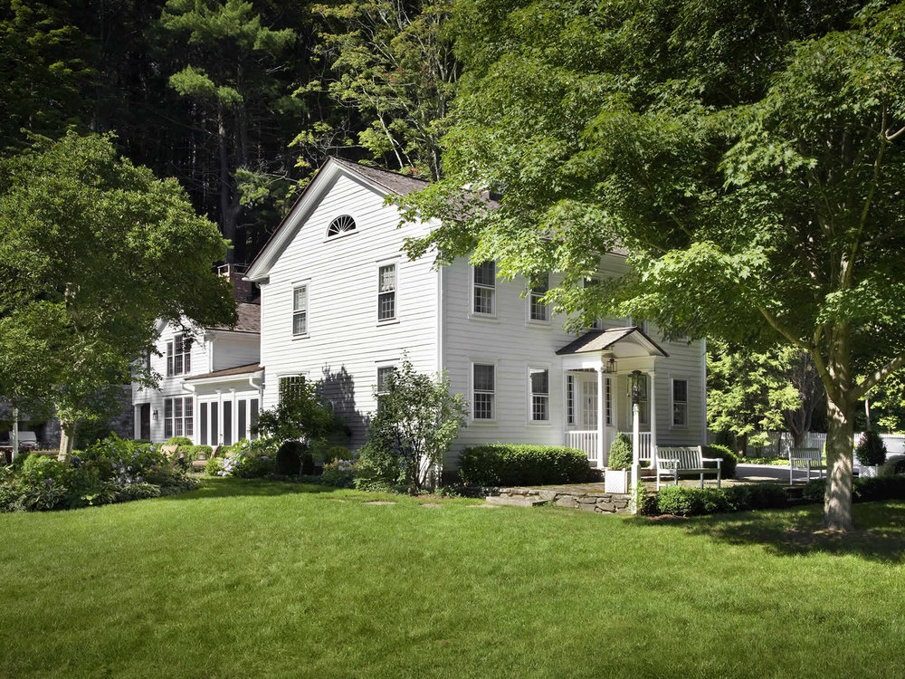COUNTRY HOUSE<br>LITCHFIELD COUNTY, CT