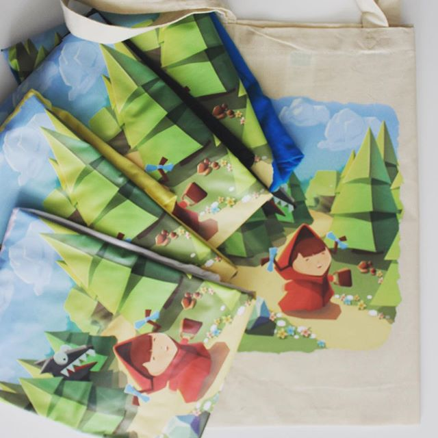 A sweet selection of Bring Me Cakes-themed tote bags! These goodies can be adorned with any kind of game imagery!