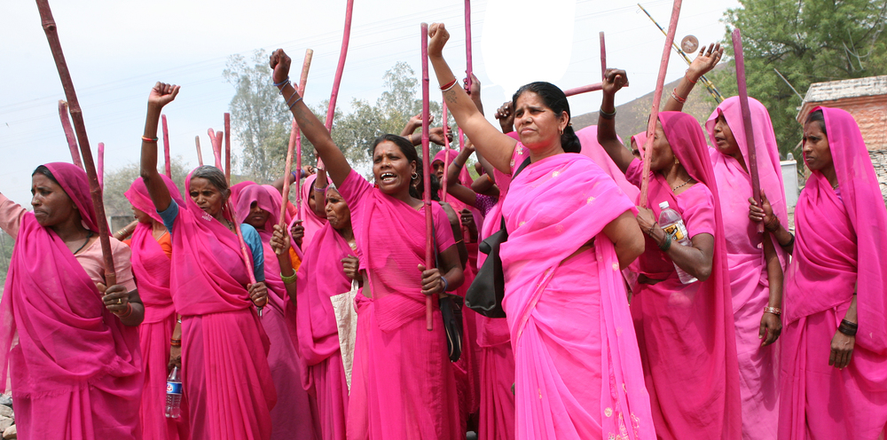 Gulabi Gang_3_protest - photo by Torstein Grude.jpg