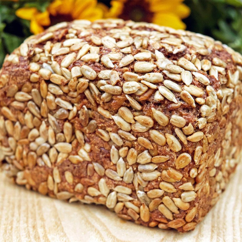 Paine din faina integrala si seminte