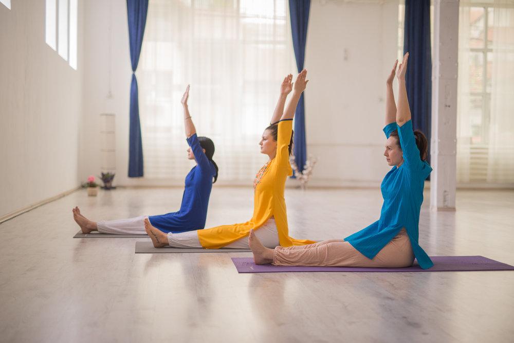 Curs de yoga bucuresti, curs yoga bucuresti sector 2, tehnici yoga, yoga salutul soarelui
