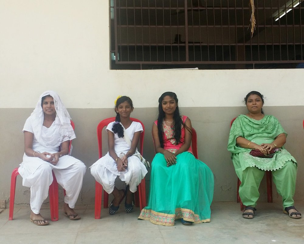 calatorie in india, ashram, yoga, profesor de yoga