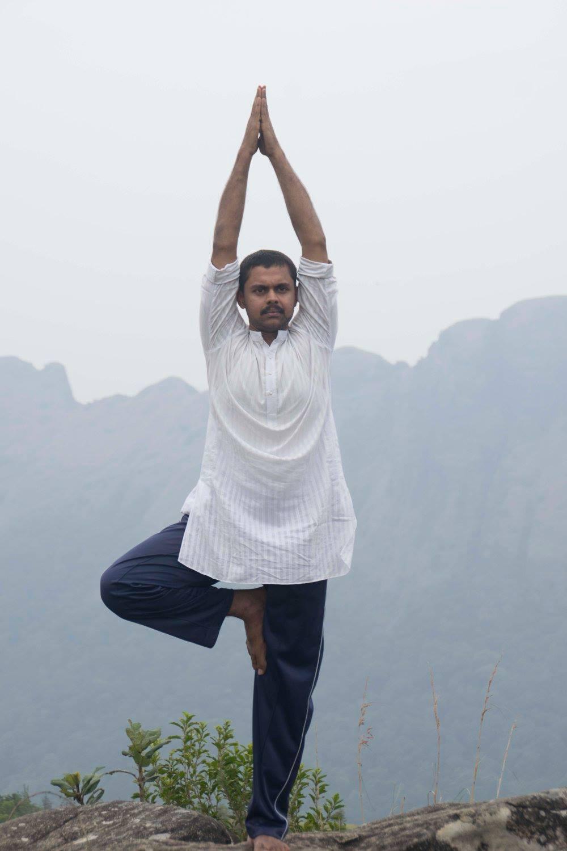 calatorie in india, ashram, yoga, bucuresti