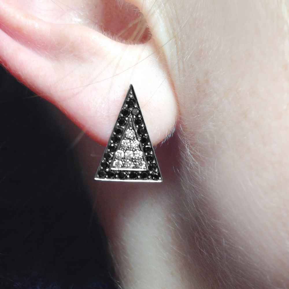 Black-and-white-diamond-arrowhead-earstuds -1.jpg