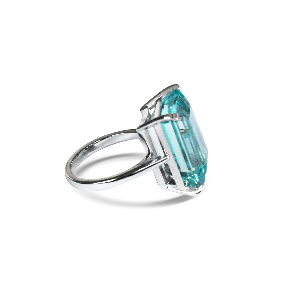 Aquamarine-and-18ct-white-gold-ring-2.jpg