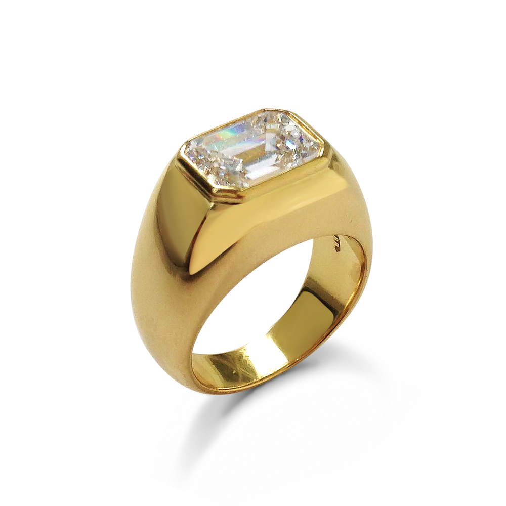 Emerald-cut-diamond-and-18ct-yellow-gold-ring-1.jpg