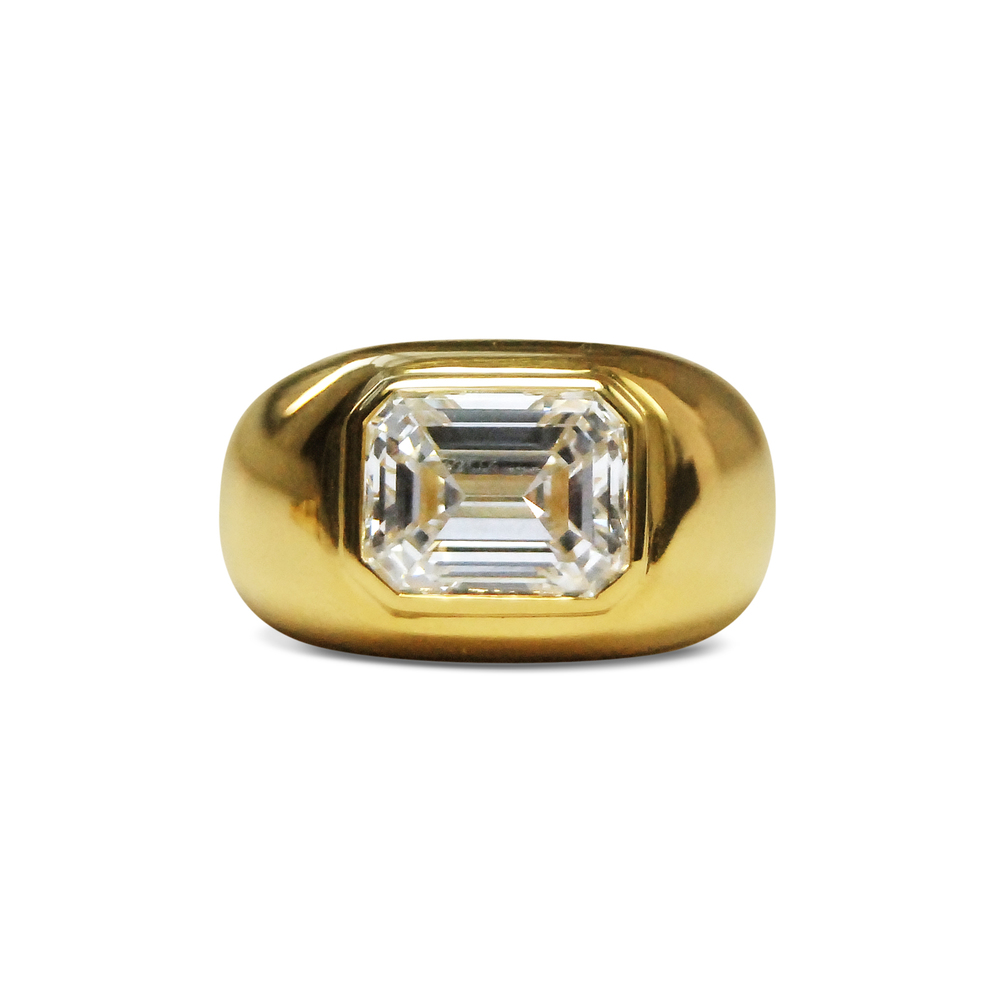 Emerald-cut-diamond-and-18ct-yellow-gold-ring-2.jpg