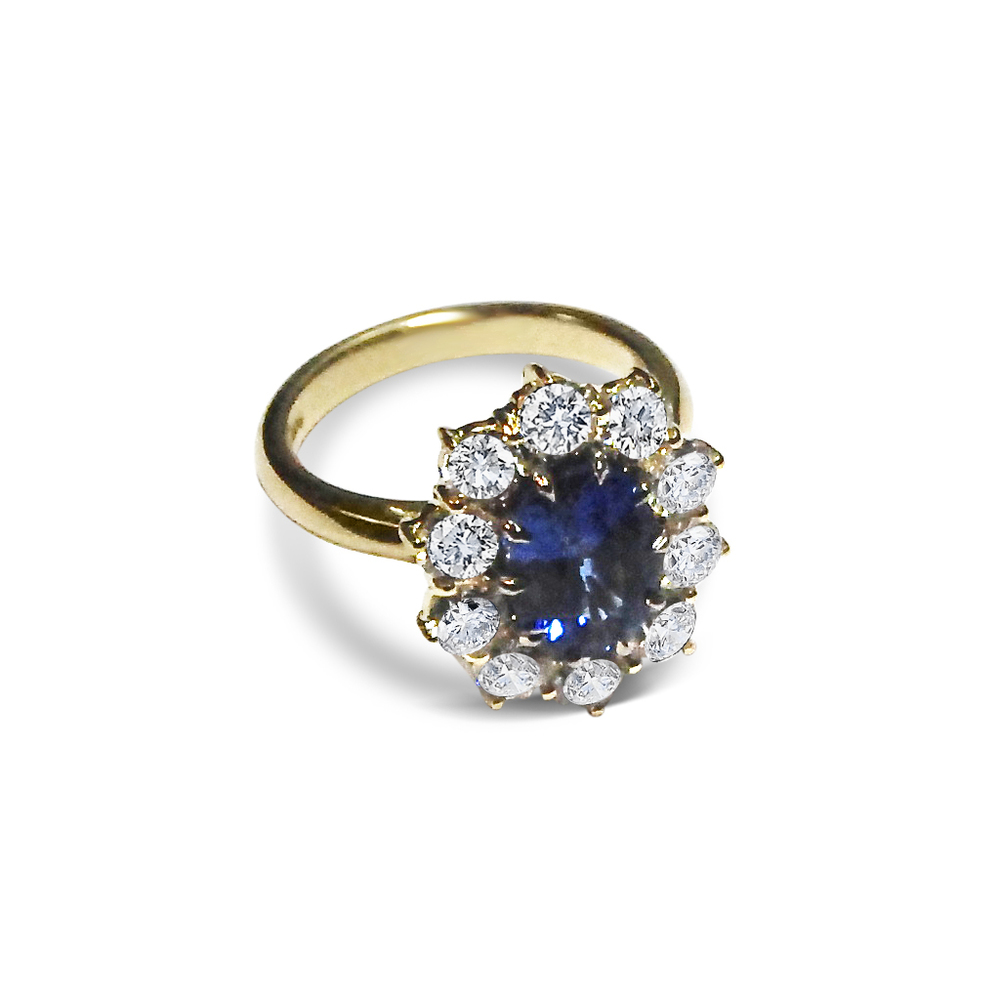 Sapphire-and-diamond-cluster-ring-mounted-in-yellow-gold-2.jpg