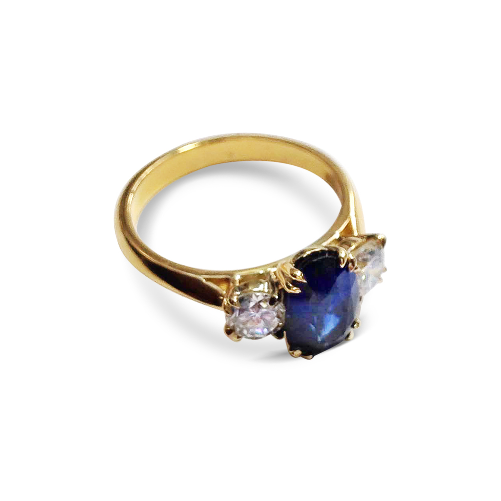 Sapphire-and-diamond-three-stone-ring-in-yellow-gold-1.jpg