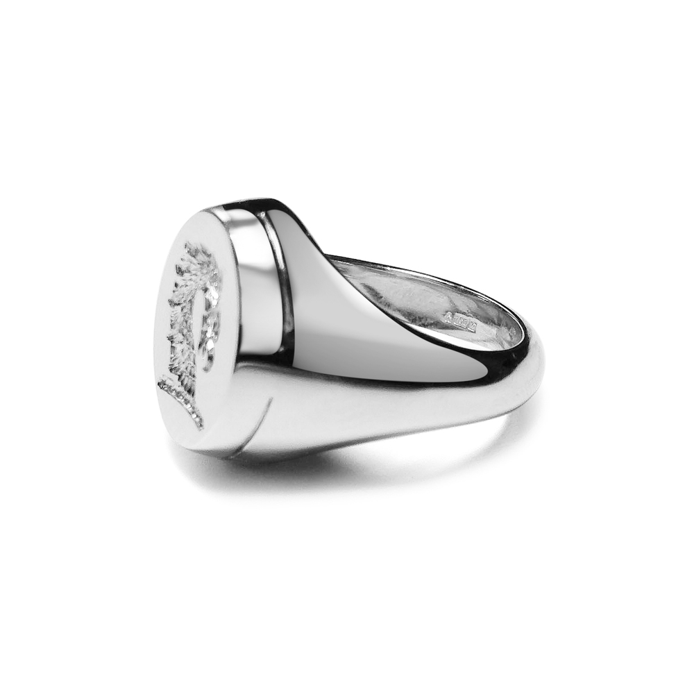 18ct-white-gold-signet-ring-.jpg
