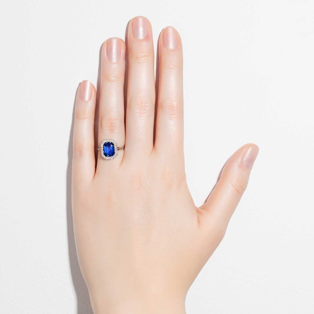 Art Deco sapphire and diamond ring hand