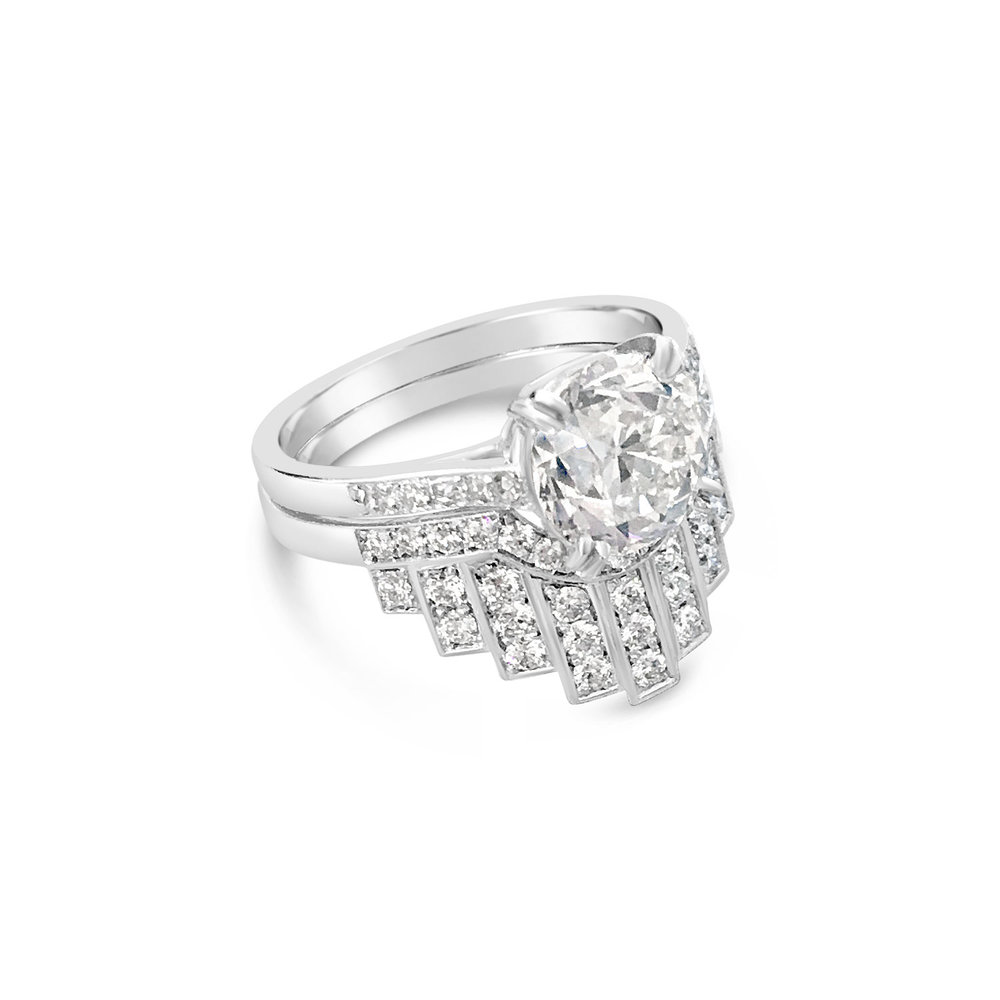Bespoke fitted brilliant-cut diamond and platinum wedding ring side