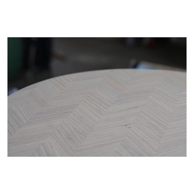 Now on the work table our side table Beside in a crisp grey tone. #sidetable #furniture #furnituredesign #ash #grey #wood #woodworking #joinery #möbeldesign #design #sidobord #vardagsrumsbord #bord #details #detaljer #inredning #snickeri #ask #träarbete #puutyö #puu #pöytä #sivupöytä #saarni #kalustesuunnittelu #muotoilu #pieceofshape
