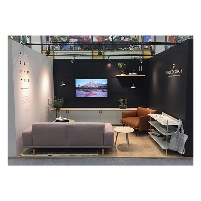 Our livingroom at the RSA-fair in Kokkola. #livingroom #interior #interiordesign #interiorinspiration #custommade #joinery #vardagsrum #inredning #inredningsdesign #inspiration #bygg #måttbeställt #sisustussuunnittelu #sisustus #puuseppä #rakenna #kalustesuunnittelu #möbeldesign #pieceofshape