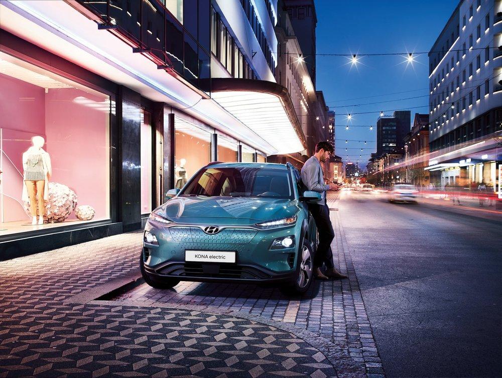 Hyundai - Kona - Style - Male-CMYK-min.jpg