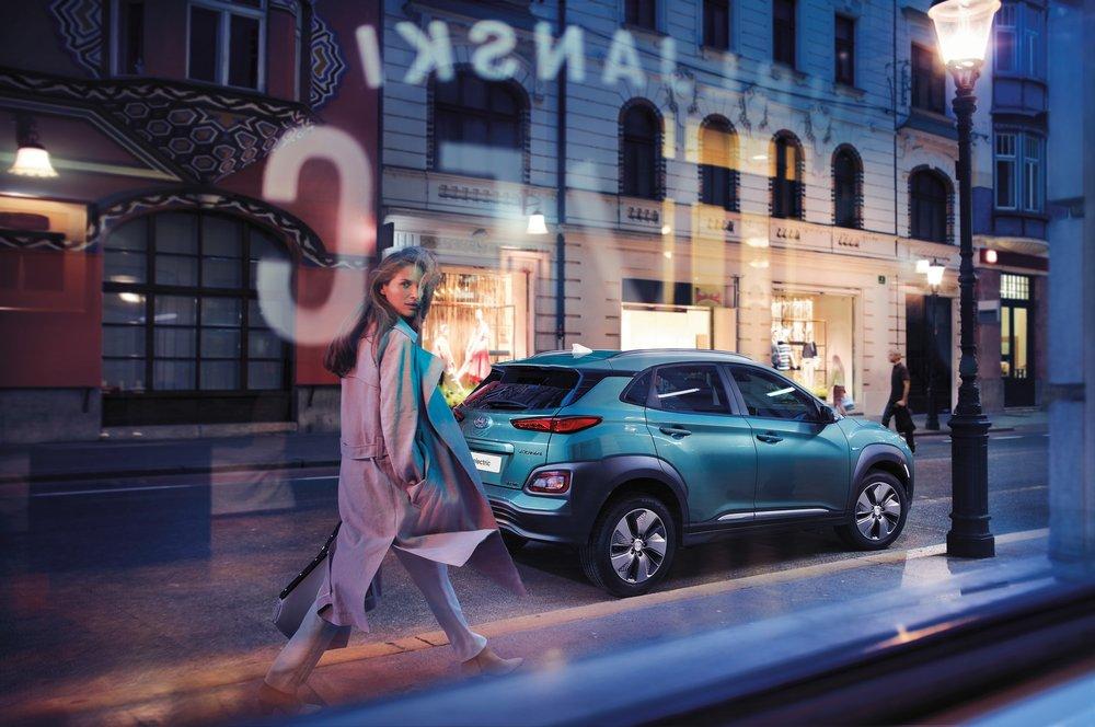 Hyundai - Kona - Style Woman-CMYK-min.jpg