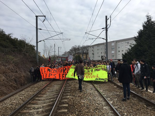 Rennes, university students disrupted traffic for more than an hour by occupying the train tracks, causing the electrical supply to the line to be cut. After being pushed off by the cops, hundreds went and blockaded a road with burning barricades instead.