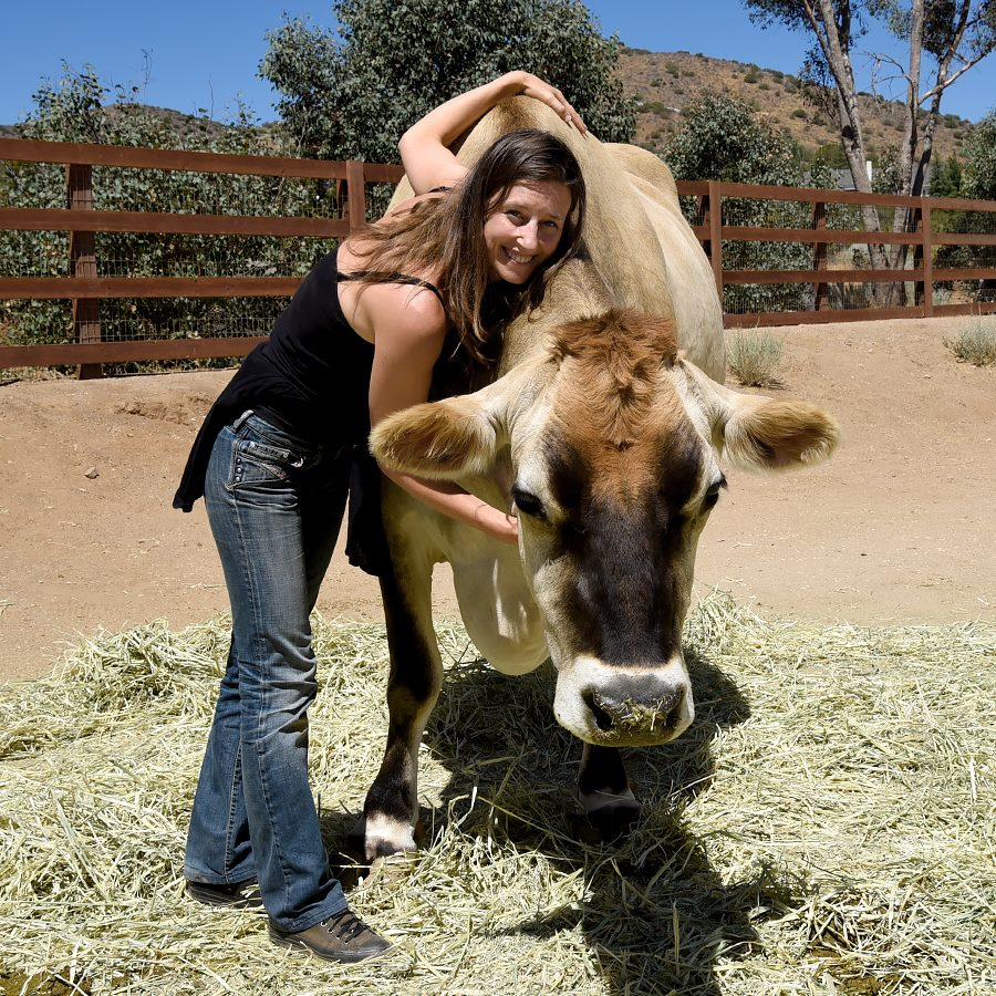 melanie & paolo - paolo was rescued by farm sanctuary (california). credits - photography by beth redwood